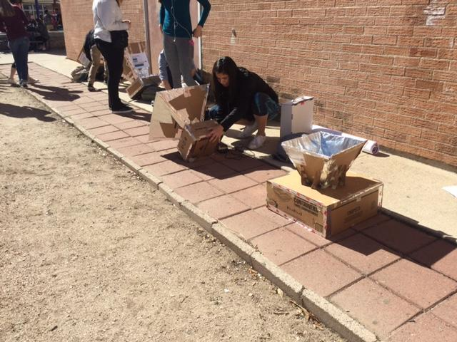 Engineering Class Tests Out U of A Solar Oven Project