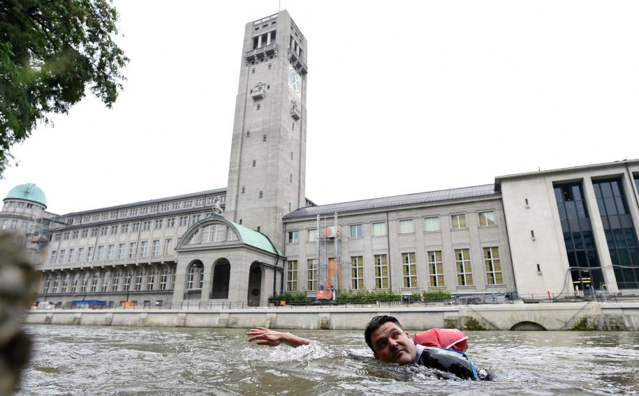 New German Trend: Swim to Work, Avoid Traffic