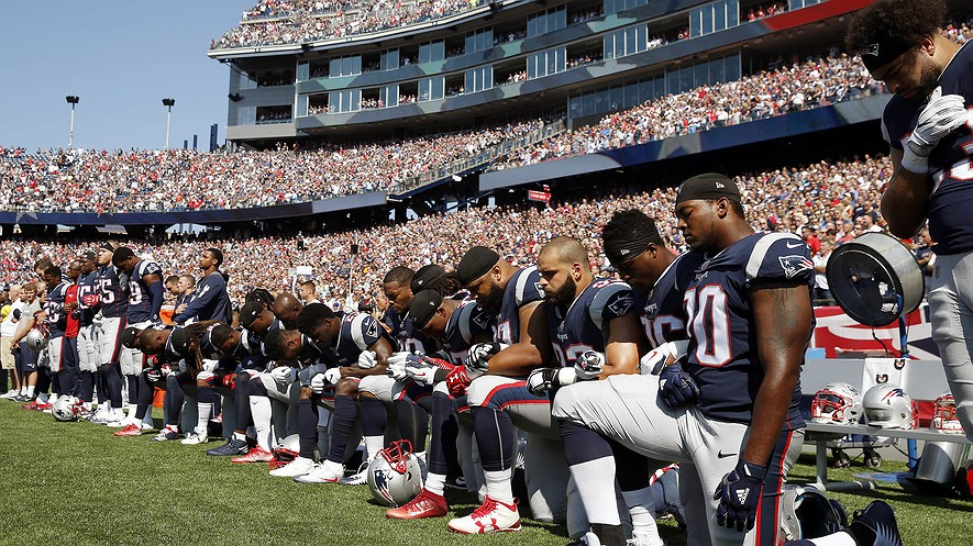 Kneeling For Justice - Both Sides Explained