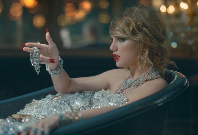 Taylor Swifts New Single Leaves the Internet Wondering
