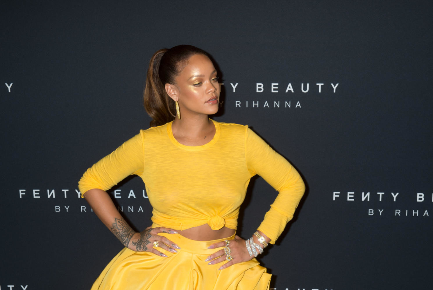 Rihanna arrives to celebrate the launch of her beauty brand, Fenty Beauty by Rihanna, on September 7, 2017 in New York.  / AFP PHOTO / Bryan R. Smith        (Photo credit should read BRYAN R. SMITH/AFP/Getty Images)