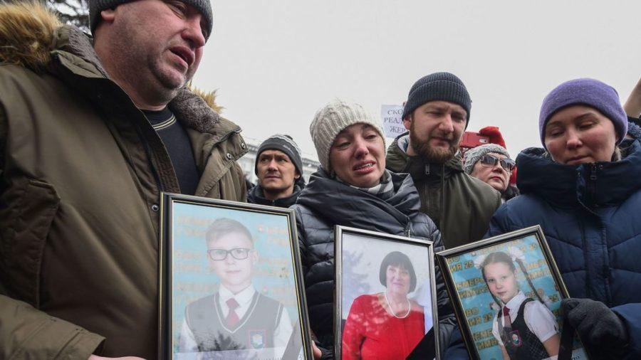64 Perish in Russian Mall Fire
