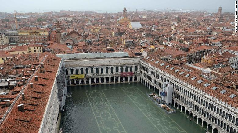 A view of a flooded Saint Mark Square during a period of seasonal high water in Venice, Italy October 29, 2018.    Reuters/Manuel Silvestri