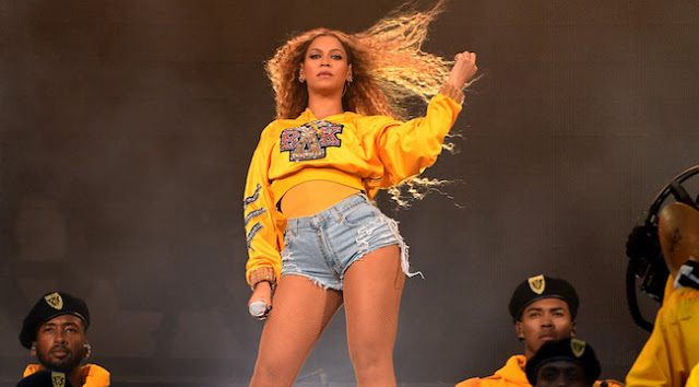 Beyoncé preformed on the Coachella main stage, headlining the festival for the first time in a makeup performance from last year, which had been canceled because she was pregnant.
