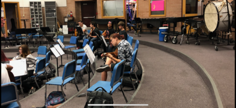Sahuaro Band Sits In With Middle Schoolers