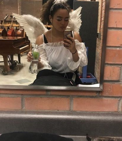 Hannah, dressed as an angel