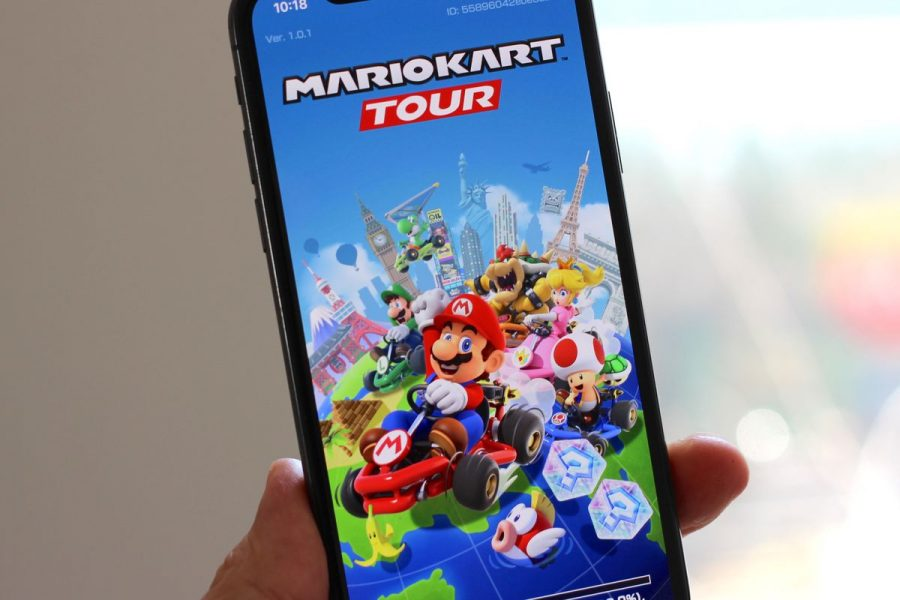 Mario+Kart+game+makes+its+mobile+debut+on+all+devices