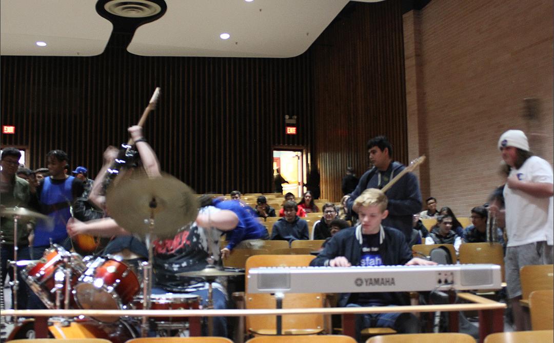 Sahuaro's Jamz Band playing