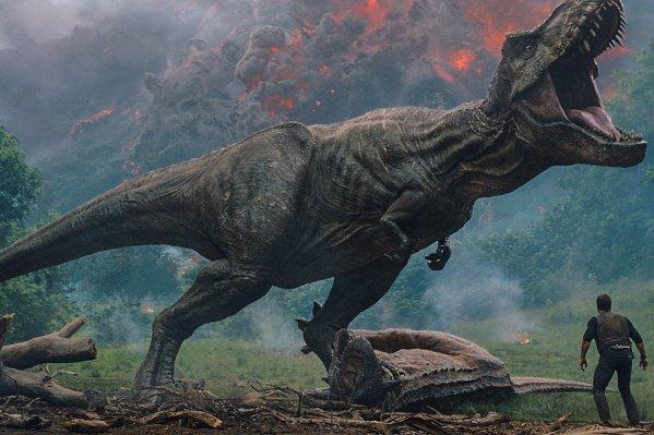 https://www.google.com/url?sa=i&source=images&cd=&cad=rja&uact=8&ved=2ahUKEwifwvSMv_fmAhXOmq0KHeSVB9YQjhx6BAgBEAI&url=https%3A%2F%2Ftime.com%2F5313949%2Freal-dinosaurs-jurassic-world-fallen-kingdom-jurassic-park-fact-check-checking-history%2F&psig=AOvVaw0Z6cjf2fwOTfdAqc9G4JER&ust=1578692794711894