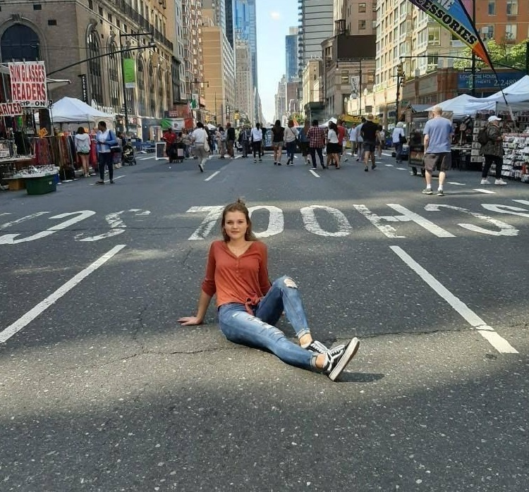 Daria+Bauer+posing+in+the+street+on+her+first+ever+trip+to+New+York+City%21